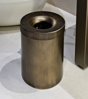Papierkorb mit Deckel aus Stahl