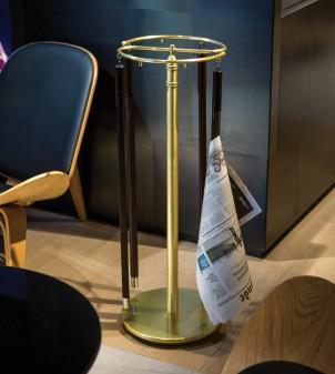 Zeitungsständer aus Messing mit klassischer Stil und Rundprofil