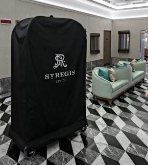 Schutzhüllen für Hotelgepäckwagen