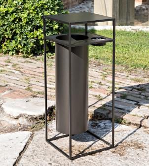 Mülleimer mit Aschenbecher aus Eisen für den Außenbereich