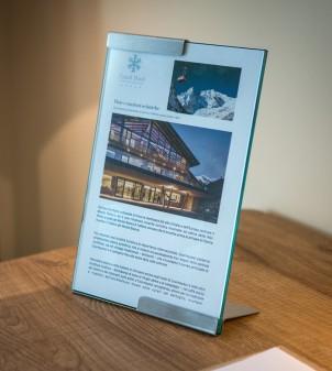 Tischsaufsteller A4 für Hotel