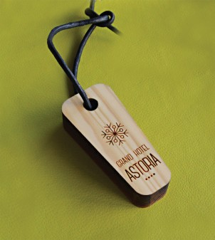 Schlüsselanhänger aus Holz für Hotel - APIR