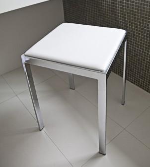 Weißer Badezimmerhocker mit Sitz aus Kunstleder