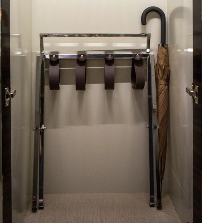 Kofferträger für Hotel aus Metall 'Case'