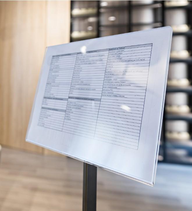 Infoständer für Prospekte
