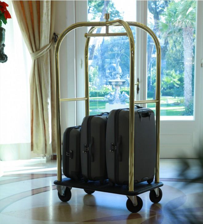 Kofferwagen Hotel