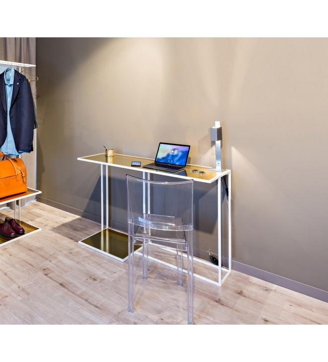 Schmaler Schreibtisch mit Stahlgestell