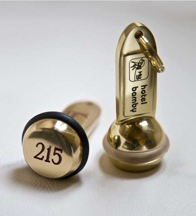 Hotel Schlüsselanhänger Messing