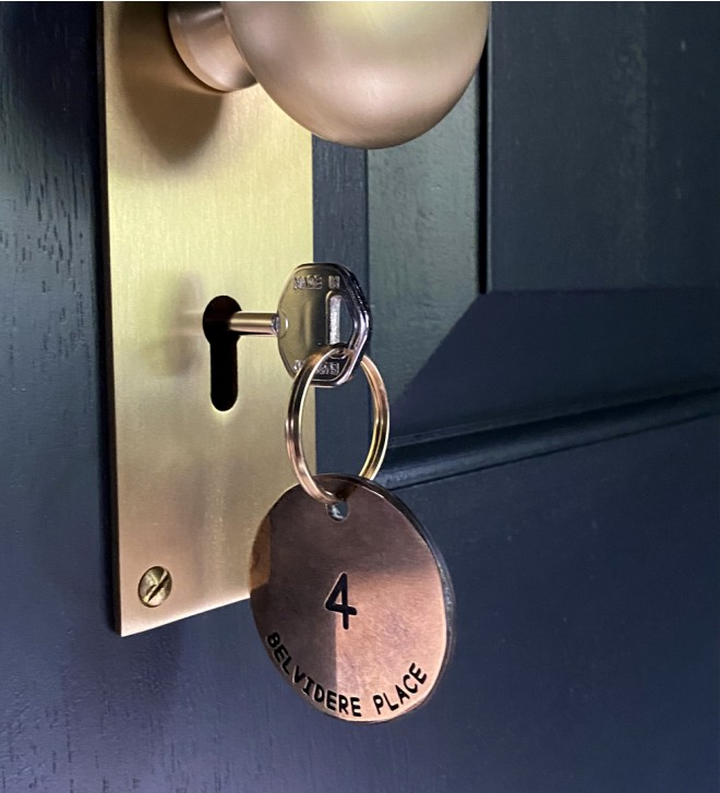Hotel-Schlüsselanhänger mit Gravur nach Wunsch