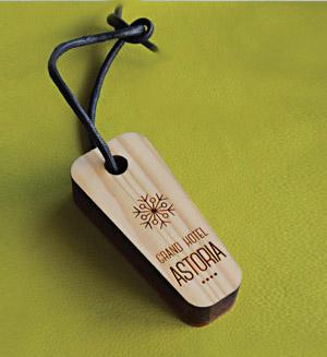 Schlüsselanhänger aus Holz